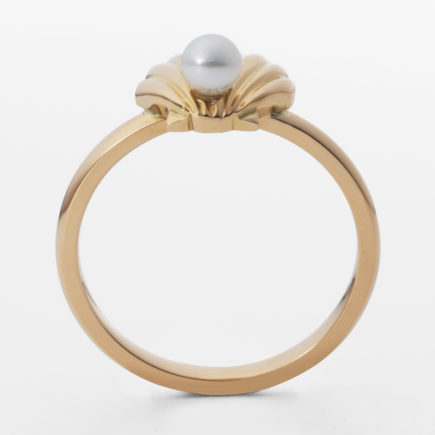 K18YG SHELL RING with BABY PEARL